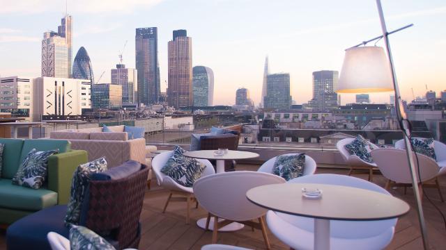 Royal London Suites